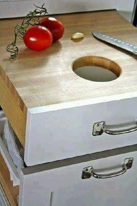 Отличный вариант создать просто лучший вариант для экономии пространства ящик-доску на кухне, что станет одним из лучших решений для кухни.