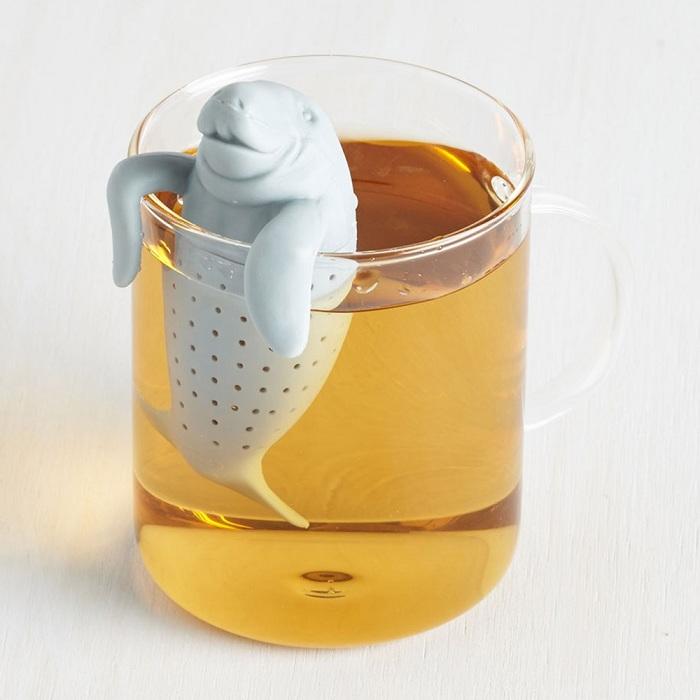 Отличное решение для любителей чая мини-заварник в виде милого ламантина.