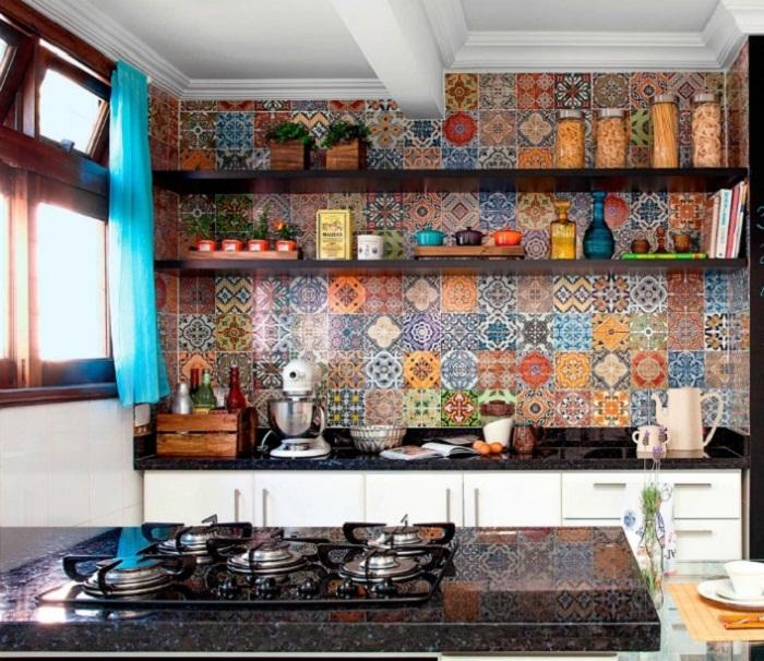 Если украсить одну стену оригинальной керамической плиткой - это позволит создать невероятный интерьер.