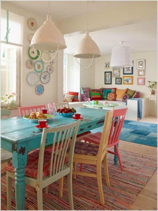 Кухня преображена при помощи оригинального винтажного стиля, что точно понравится.