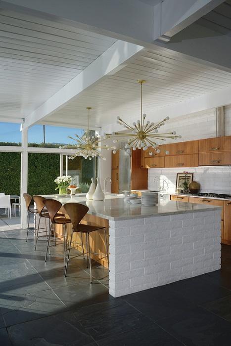 Отличный вариант, чтобы обустроить кухню, так это возможность создать что-то новое и уникальное на ней.