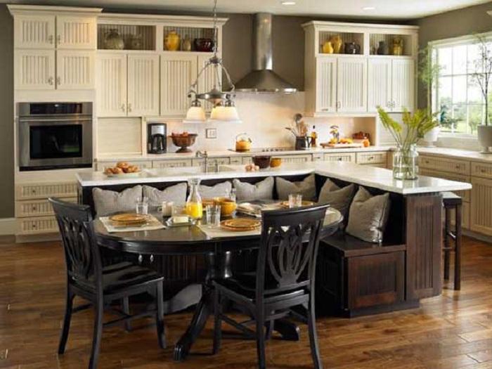 Диван уголок отличное практичное решение для любимой кухни.