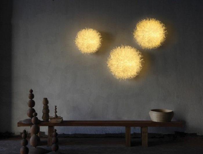 Интересные лампы напоминают по своей структуре три солнца - для теплого и солнечного настроения.