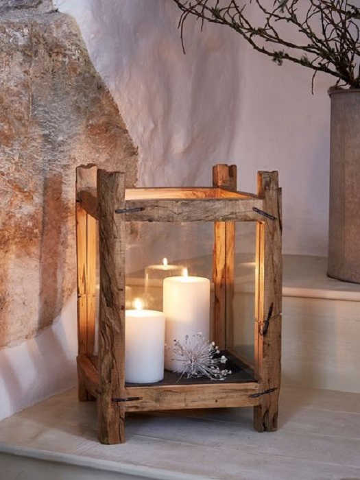 Интересный деревянный подсвечник для сада – красивое и простое решение для украшения.