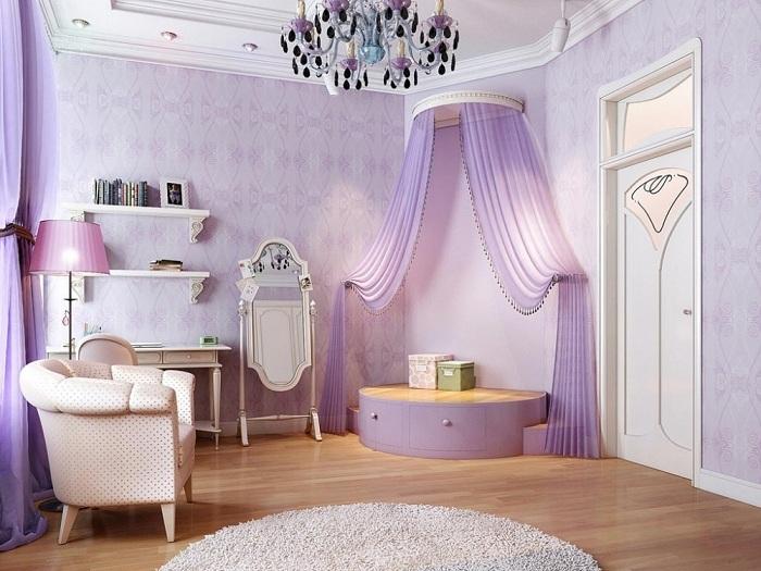 Нежная лавандовая спальня со светлой мебелью, которая наполнена гармонией теплых оттенков и романтичной атмосферой.