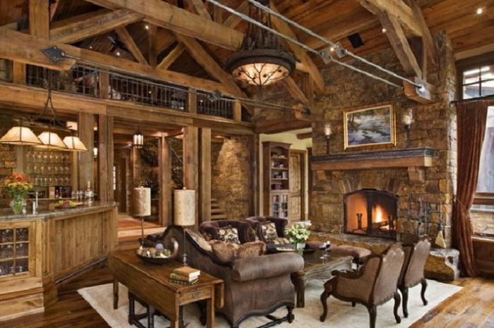 Деревянная отделка гостиной в загородном доме.