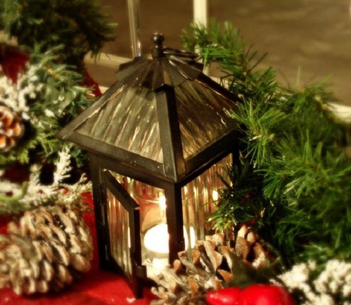 Шикарный рождественский декор станет необыкновенным решением для любой комнаты.