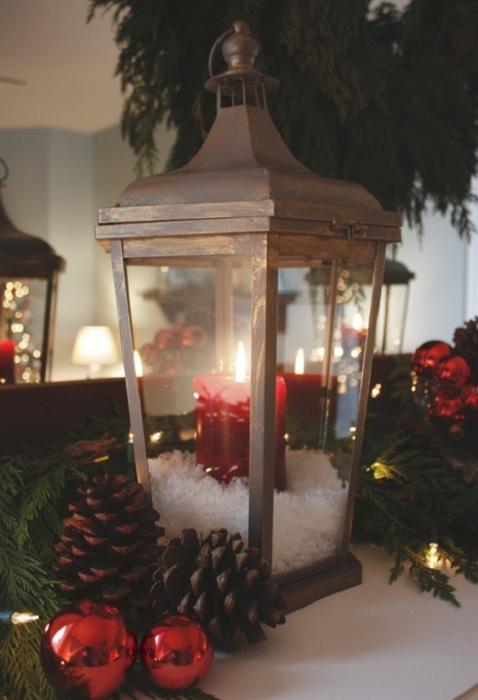 Невероятное предновогоднее настроение в комнате возможно создать благодаря удачным элементам декора.