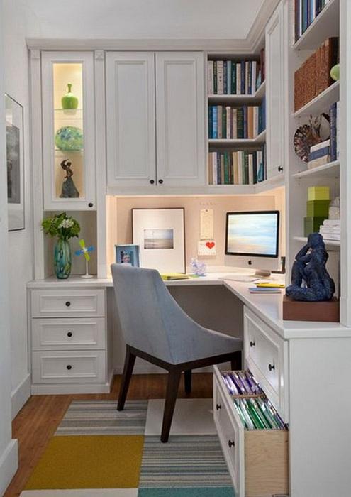 Один из вариантов оформления мини-офиса, что впечатлит и вдохновит по полной.