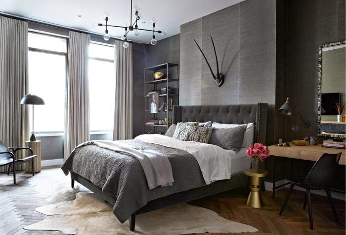 Красивый темно-серый интерьер спальни смотрится очень богато и красиво, что не может не порадовать.