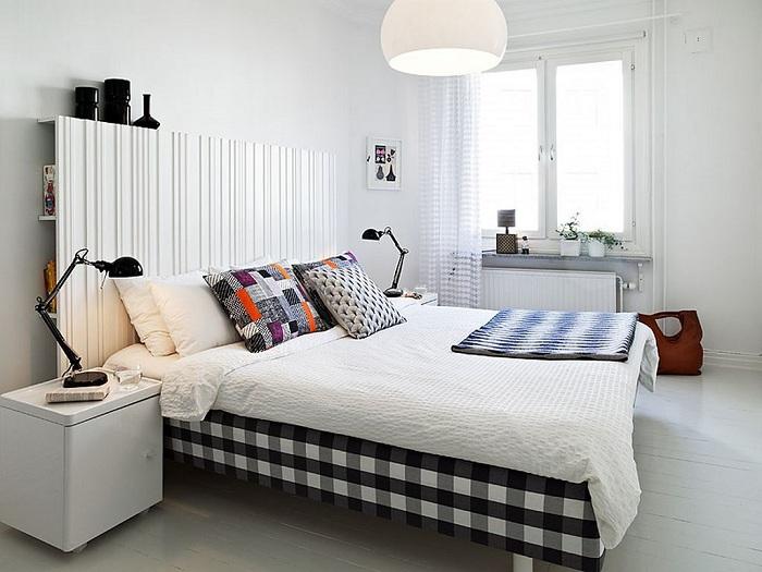 Интерьер спальной прост и симпатичен одновременно, что может быть еще лучше.