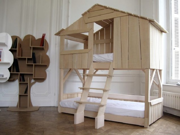 Красивый интерьер комнаты оформленной в детском стиле что создает сказочную и теплую атмосферу.