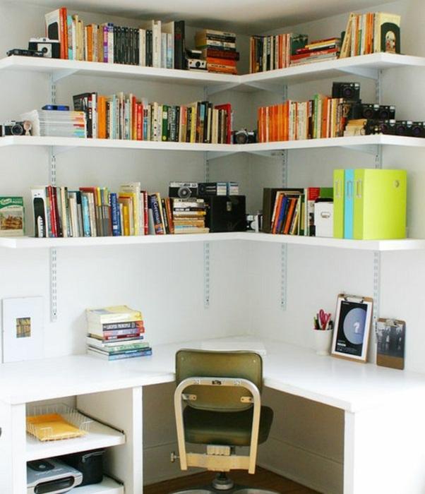 Интересное и очень комфортное оформление мини-офиса в домашних условиях, что пропитано уютом.