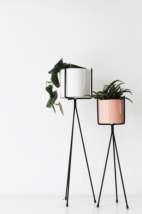Крутые металлические подставки под цветы, что однозначно понравятся и вдохновят.