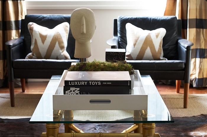 Прекрасний варіант облагородити інтер'єр гостьової кімнати, так це додати просто золотистих тонів.