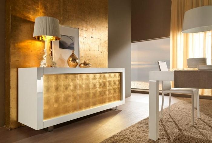 Прекрасный вариант декорировать комнату за счет золотых оттенков, что создадут элегантный интерьер.