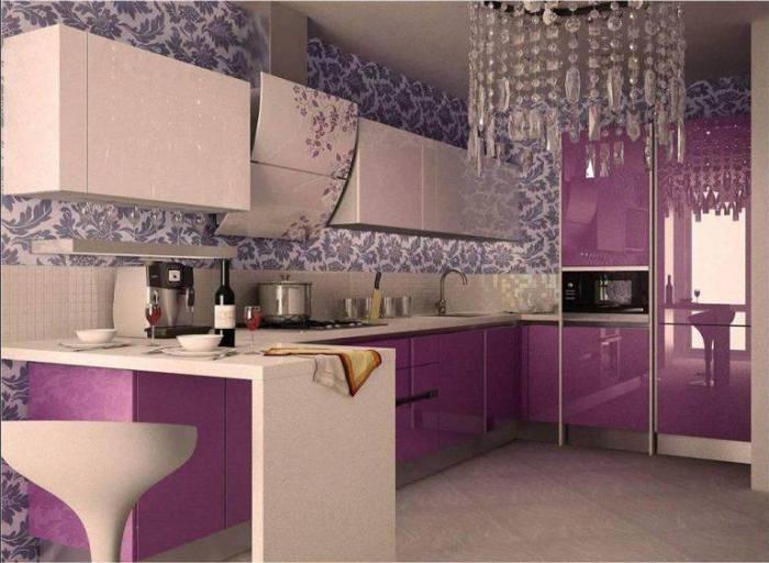 Яркие фасады и стены с выразительными узорами добавляют теплоты и уюта.