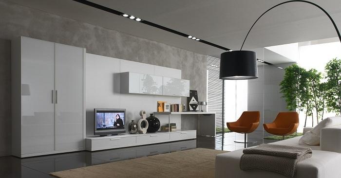 Крутое решение создать интерьер гостиной в очень необыкновенном сером цвете, что создаст своеобразный интерьер.