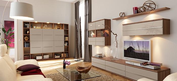 Прекрасные решения для декорирования гостиной, очень простым и сказочным способом при помощи освещения.