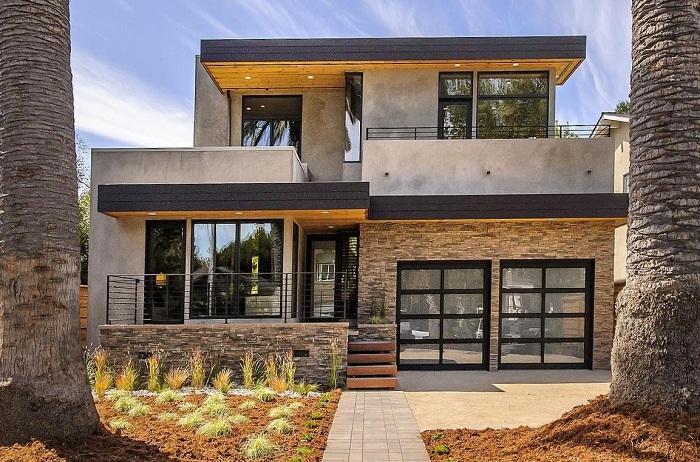 Интересный дизайн модульного дома со стеклянными окнами и дверьми - просто идеален.