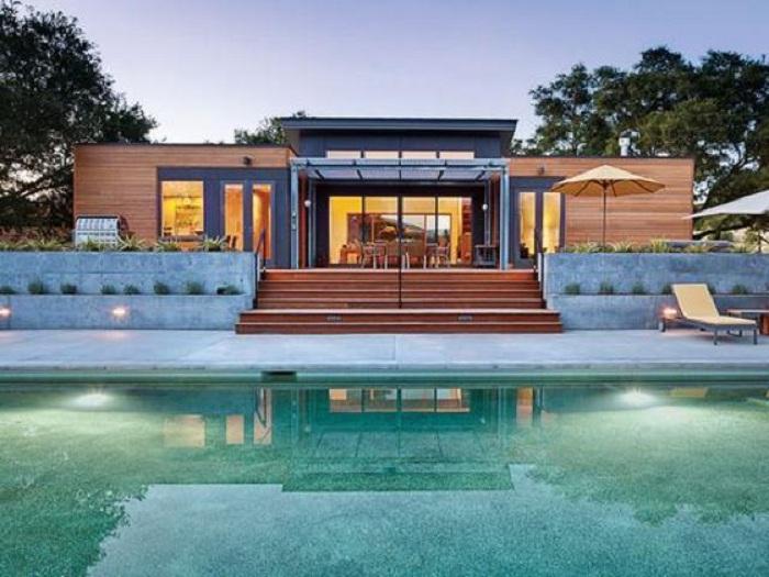 Проект современного частного модульного домов от американской компании Blu Homes.