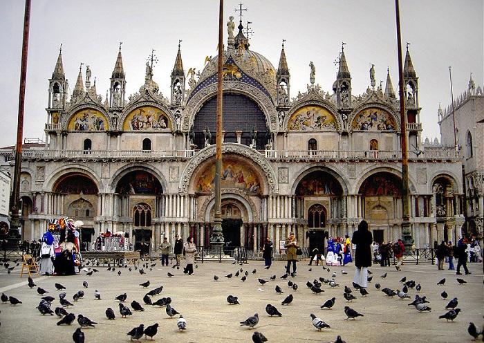 Собор Святого Марка - кафедральный собор Римско-католической епархии Венеции, Северной Италии. Его постройка была завершена в 1092 году.