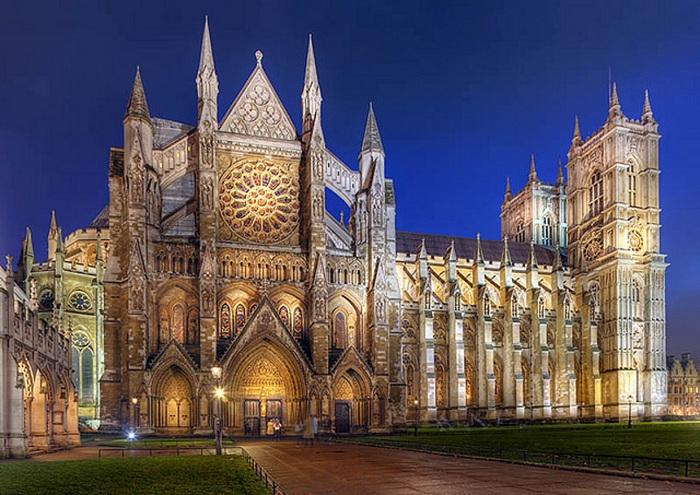 Вестминстерское Аббатство или Соборная церковь Святого Петра в Вестминстере, представляет собой большой, в основном готическую церковь аббатства в городе Вестминстер, Лондон.