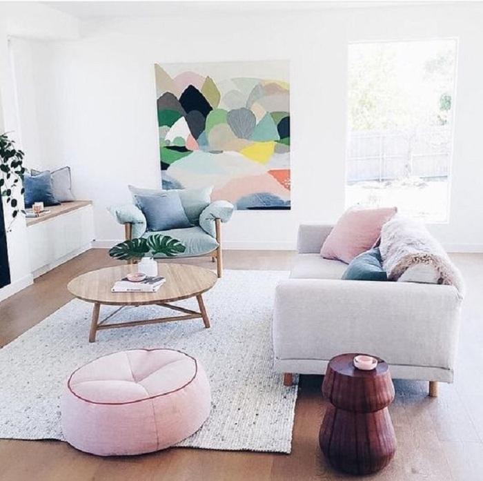 Хороший вариант оформления маленькой гостиной, что станет просто хорошим вариантом оформления интерьера.