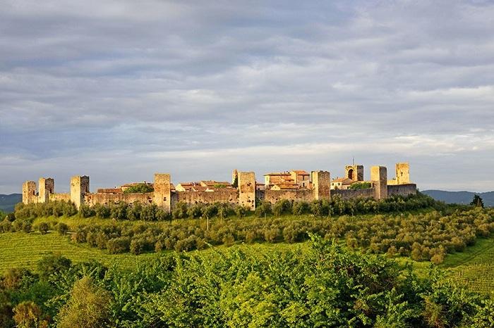 «Дольче Вита» приобретает совершенно новый смысл в этой сонной деревушке, колыбелью внутри Тосканских холмов.