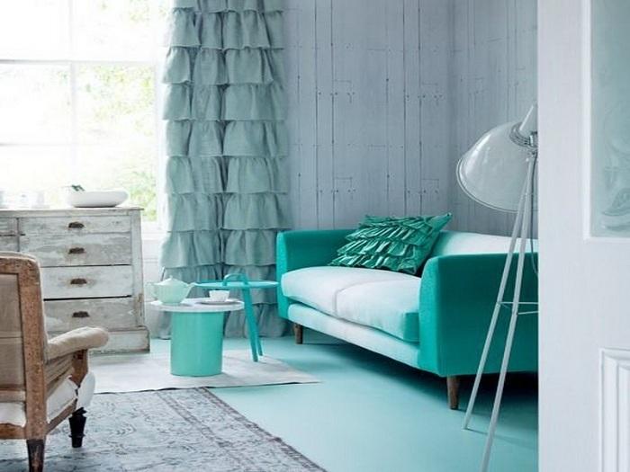 Многогранность комнаты подчеркнет мятный оттенок яркого и блеклого спектров.