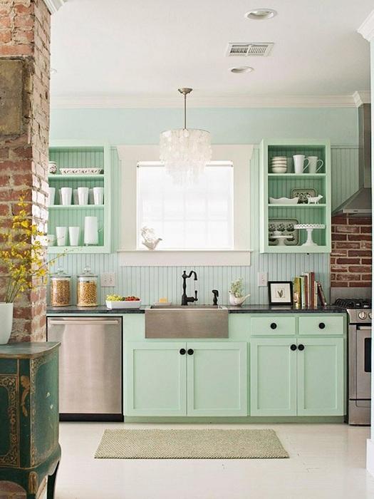 Мятный цвет на кухне подчеркнет изысканность каждого предмета.