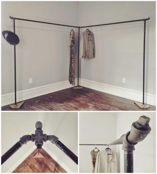 Возможно создать такой отличный шкаф из труб, что преобразит интерьер комнаты.