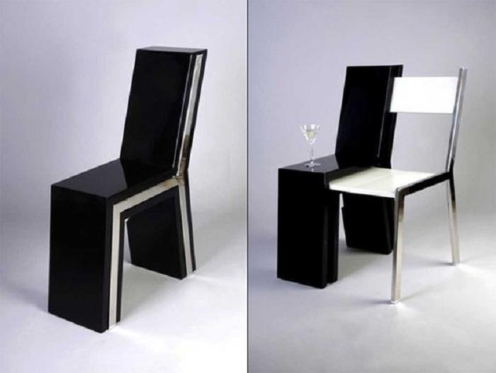 Простой, но очень эффектный стул так просто и легко трансформируется в стол со стулом.