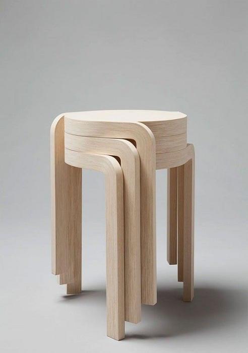 Прекрасный пример преобразить интерьер при помощи такого очаровательного деревянного стула.