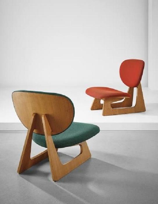 Яркие стулья необычной формы, которые подарят только хорошее настроение и приятную атмосферу.