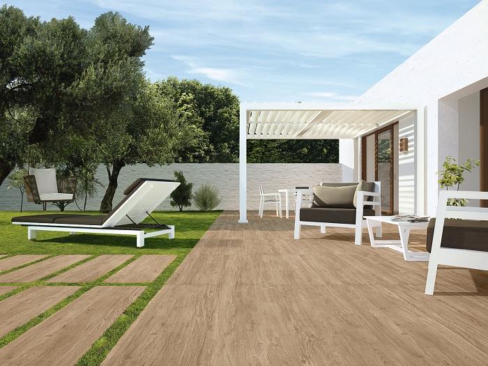 Уютная и комфортная обстановка около дома станет просто находкой для удачных дизайнерских решений.