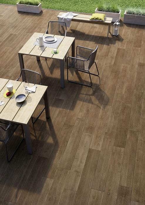 Хороший вариант оформления напольной плитки во дворе, который просто и оригинально преобразится - это станет ключевым.