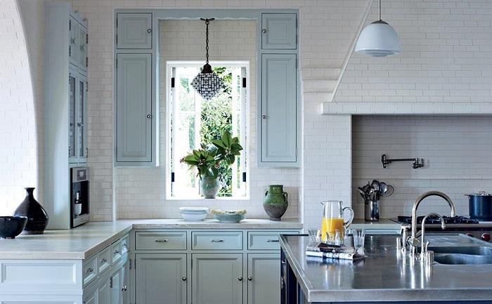 Красочные окрашенные кухонные шкафы удачные идеи для