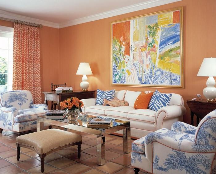 Здесь приведен пример оригинального сочетания яркого оранжевого цвета синим.