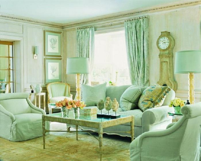 Крутой интерьер гостиной в приятном мятном цвете, что понравится любителям пастельных тонов.