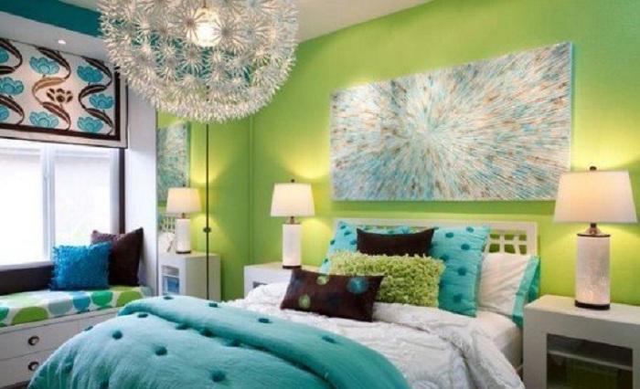 Симпатичный интерьер комнаты в ярких цветах, что позволит создать отличную обстановку и такое же яркое настроение.