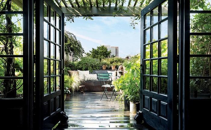 Приятная атмосфера - открытая терраса - создает отличное настроение и массу положительных эмоций.
