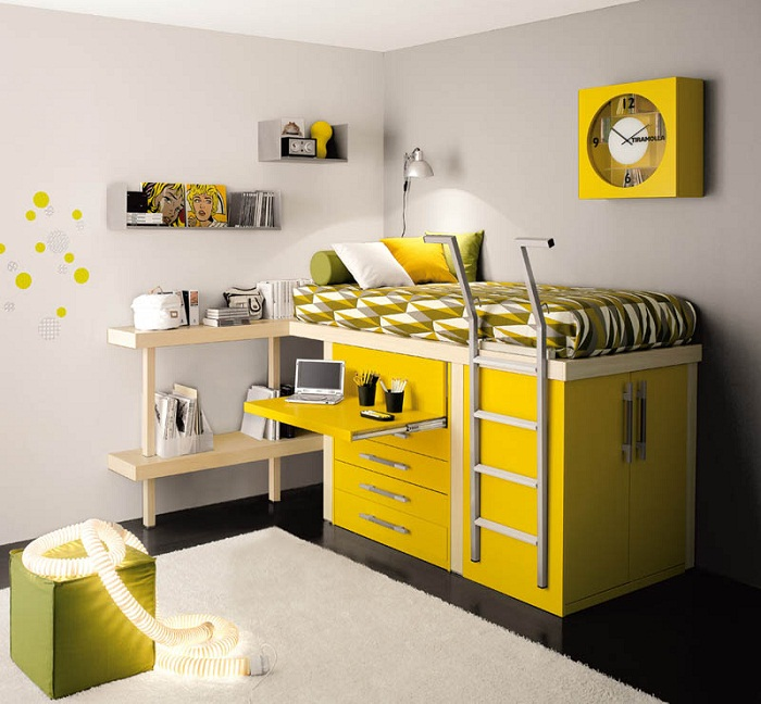 Один из оригинальных вариантов для того чтобы создать уютную и яркую обстановку в спальной.