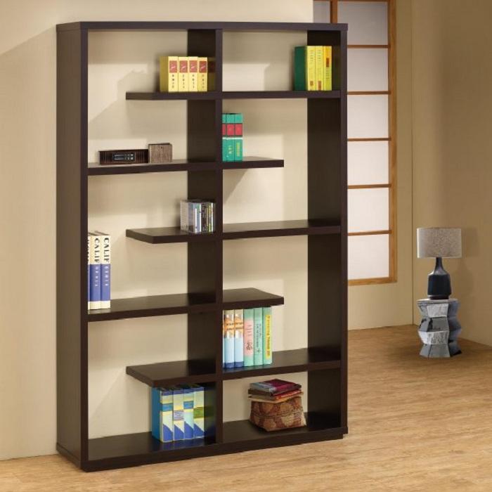 Преобразить комнату возможно при помощи оригинального шкафа, что создаст по-настоящему уютную обстановку.