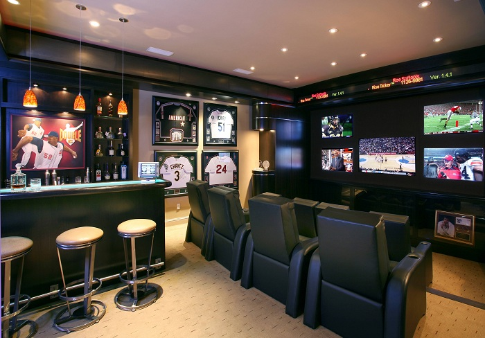Отличное решение создать дома тематический спортивный бар.