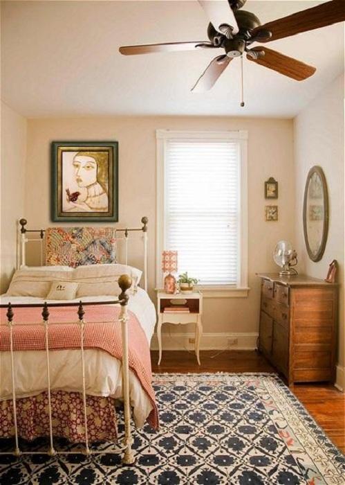 Прекрасная атмосфера в спальной пропитана домашним уютом.