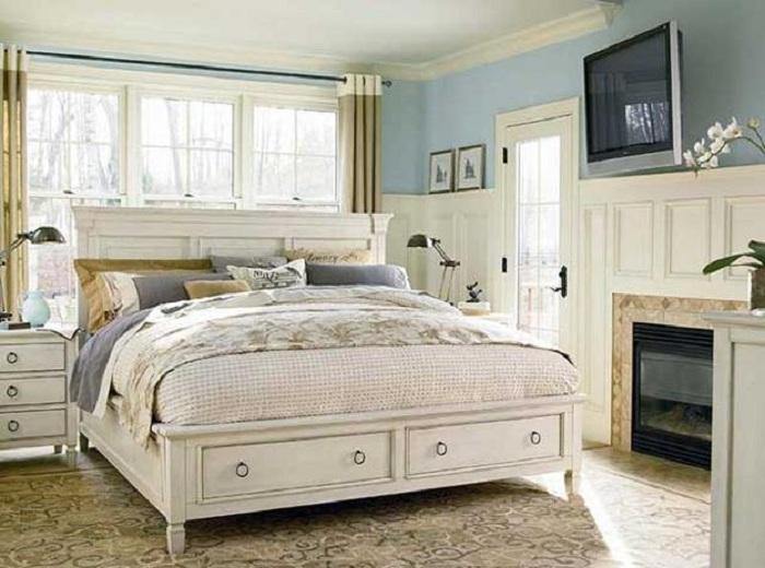 Просто хороший вариант оформления светлого интерьера небольшой спальной, что точно понравится и порадует глаз.