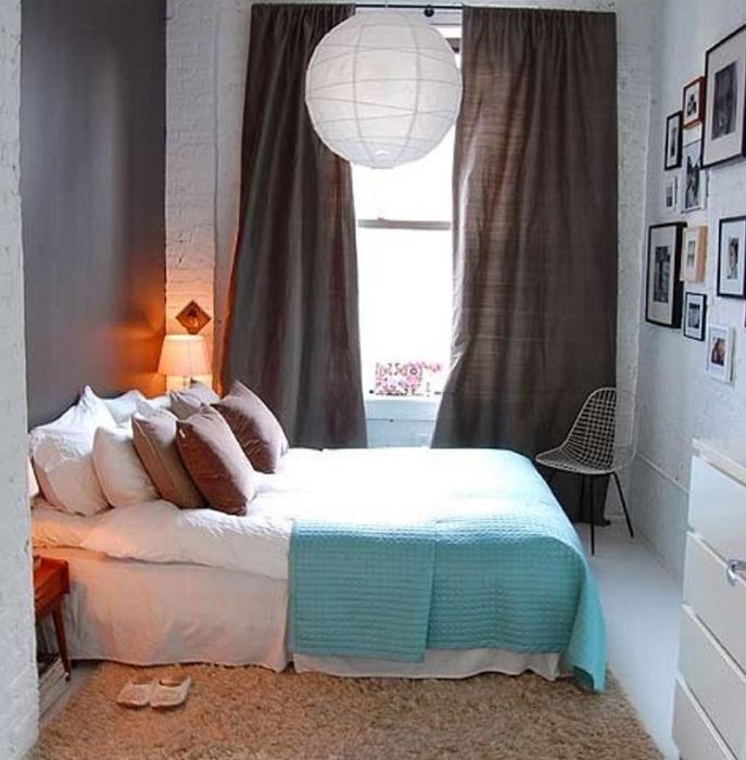 Необычные цветовые решения в комнате с небольшой площадью подчеркнут особенности такого интерьера.