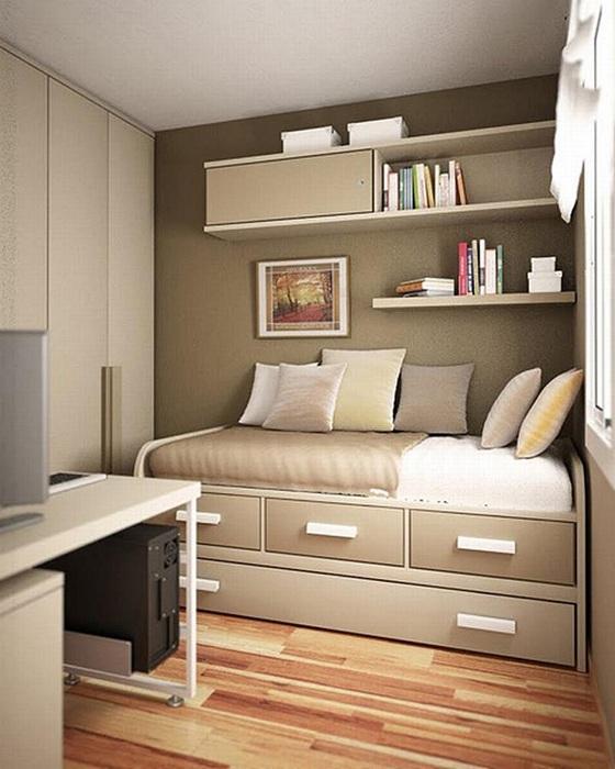 Красивый декор спальни, которая оформлена в нежно-кремовых тонах.