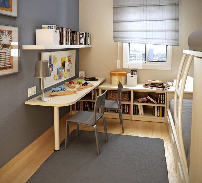 Отменный вариант оформить спальню с маленькой площадью максимально комфортно.